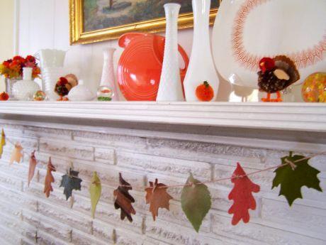 2007_11_20_leaf garland.jpg: Fall Leaves, Fall Decor, Felt Leaves, Leaves Garlands, Holidays Decor, Decor Ideas Fallleavesgarland1, Fall Leaf, Paper Leaves, Leaf Garlands