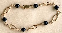 Can't WAIT to make this piece! (WigJig req'd) Square Knot Onyx Beads Bracelet Jewelry Making Project