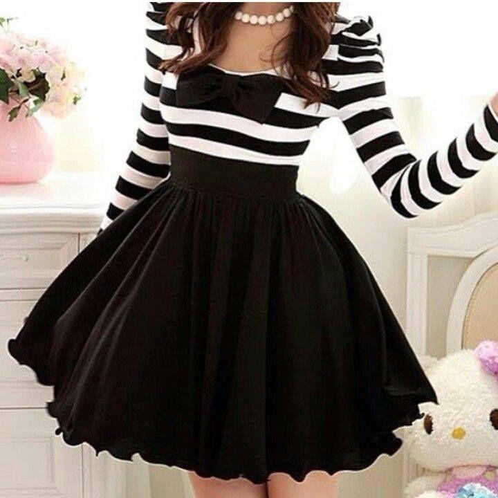 Dress. Vestido de rayas blanco y negro.