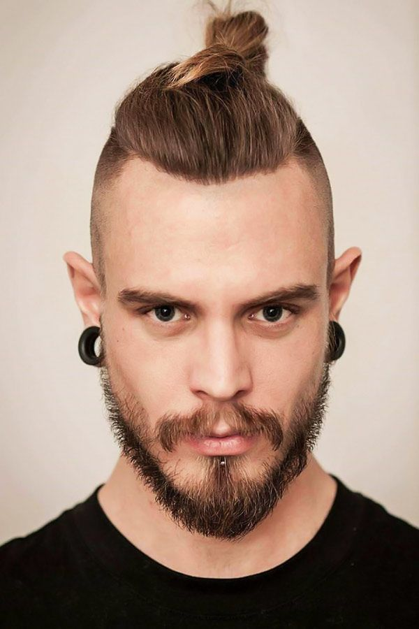 The Rundown On The Best Punk Hairstyles To Express Yourself Top Knot Hairstyles Man Bun Top Knot Hipster Hairstyles