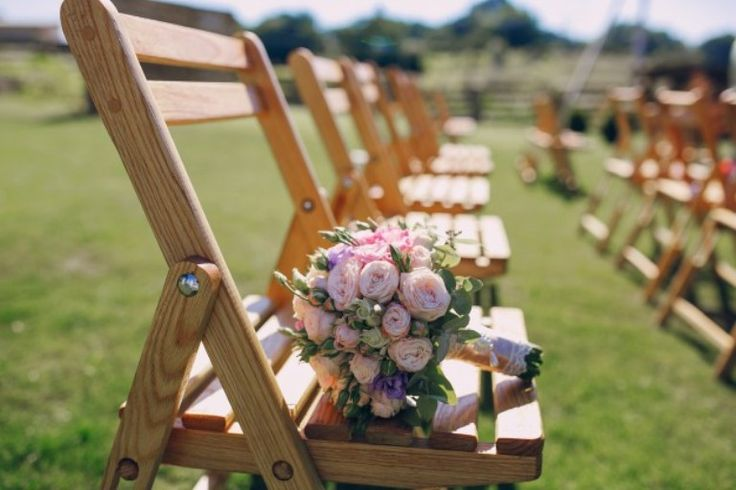 7 Ide Dekorasi Kursi Pernikahan