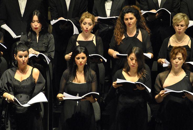 Coro del Teatro Regio di Parma (Ph. Annalisa Andolina)