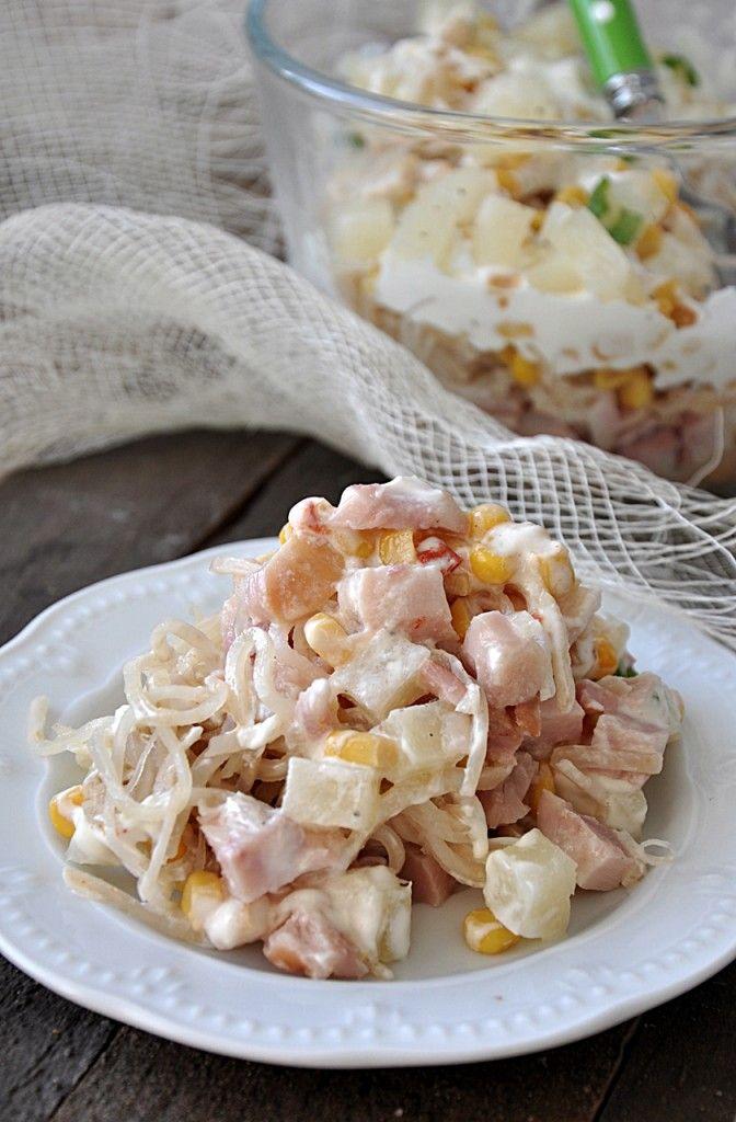 Sałatka warstwowa z selerem i kurczakiem