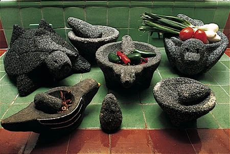 No responsible Mexican kitchen can be without the molcajete! Cocinas Mexicanas Tradicionales - All photos © Melba Levick