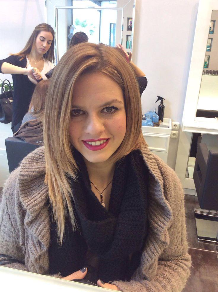 Με τα καρε μαλλια μπορείτε να παίξετε και να πετύχετε πολλές μεταμορφώσεις, όλες γεμάτες θηλυκότητα και κομψότητα.#καρε #μαλλια #κουρεματα #χτενισματα