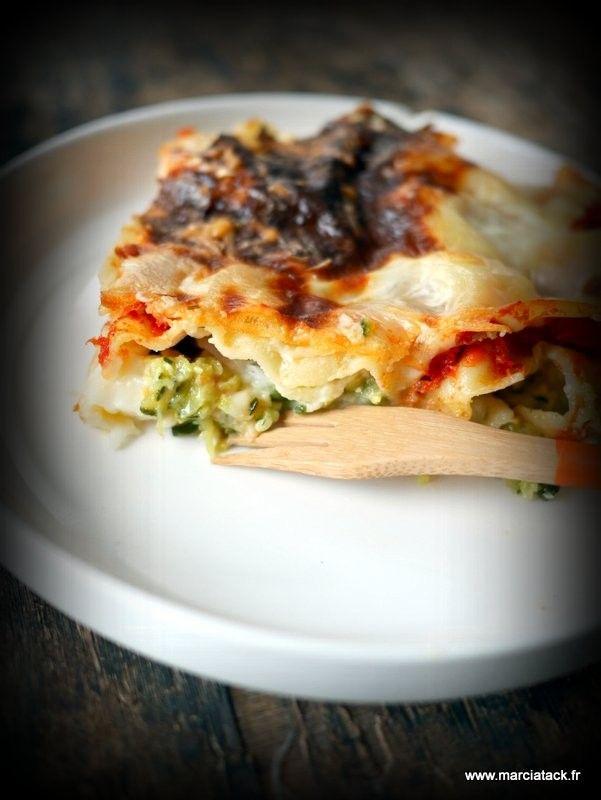 Un plat de lasagnes aux légumes … Branle bas de combat dans la maison pour faire manger des légumes à mon petit second. Si vous me suivez régulièrement, vous n'êtes pas sans savoir que mon second est depuis toujours récalcitrant à tout ce qui ne ressemble pas de près ou de loin à des pâtesEn savoir plus