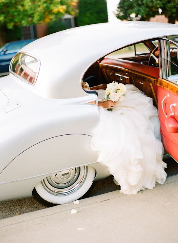 this is EXACTLY how I would want to arrive- will need to located a old car for wedding.
