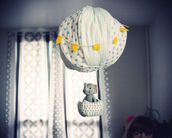 Une boîte à musique montgolfière http://www.etdieucrea.com/diy-une-boite-a-musique-montgolfiere/