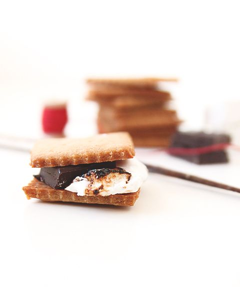 about S'mores on Pinterest | Homemade graham crackers, Chocolate ...