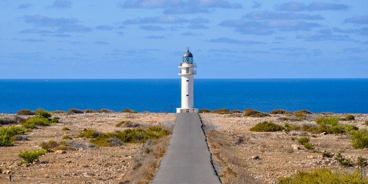 #Malerische #Küste von #Ibiza © Carina Dieringer/modelirium.at