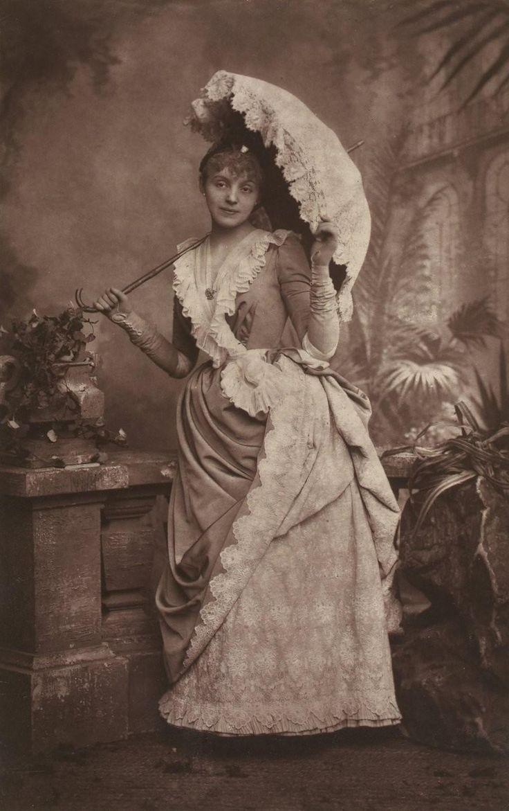RÉJANE (1856-1920)