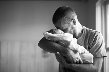 a dad meets his baby - beautiful home birth photos. There's a lot of photos... some are so awesome, bringing tears, a lump to the throat and a smile :) Click to see