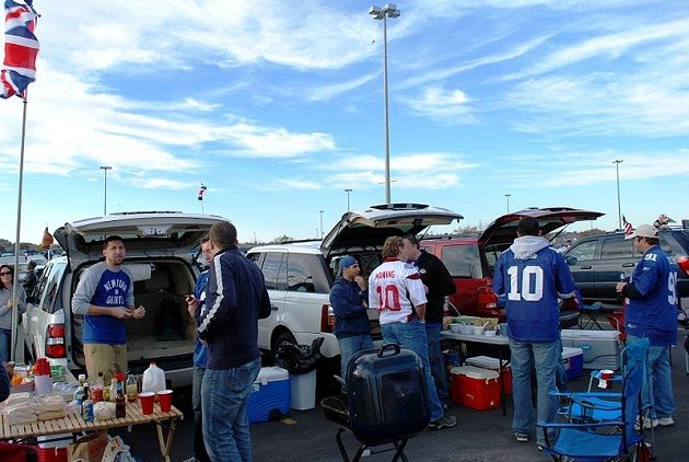 Safe Food Handling practices to Keeping your Food Safe at a Tailgating Party #tailgating #foodsafety #food #football