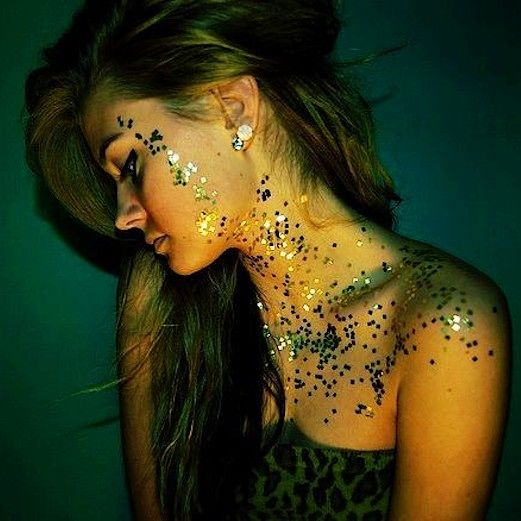 Glitter face and body fairy dust paint for festivals, might look a bit to much but i like the idea