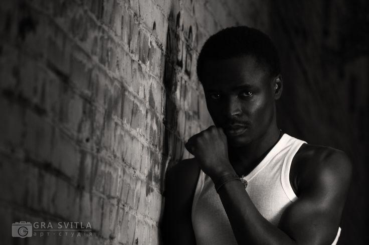 Чоловічий портрет. Мужской портрет. Male portrait. Black and white photo