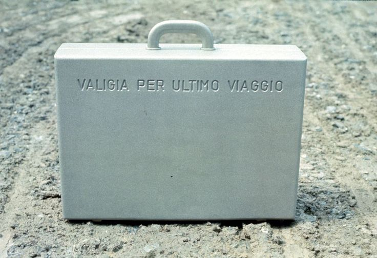 MENDINI Valigia per l'ultimo viaggio, scultura, fusione di bronzo, Braccio di ferro per Cassina, 1972