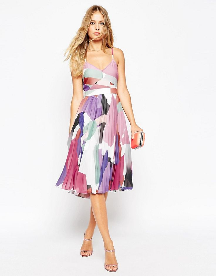 What to Wear to a Fall 2015 Wedding! Wedding guest dresses for autumn weddings and ideas for dresses and wedding guest outfits for fall weddings. If you have a September or October wedding check out these looks!