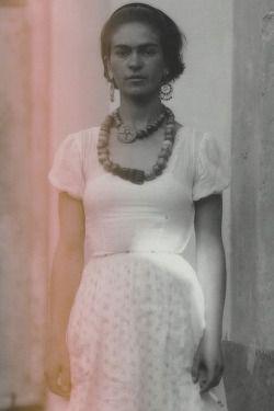 sacredfemme:  Frida