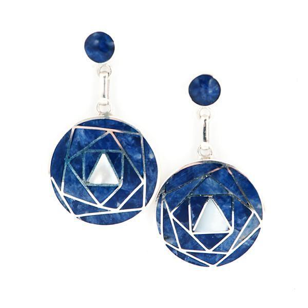 Pendientes Rosa de los Andes Azul. Pendientes de plata, sodalita y nácar blanco. www.ccusi.com