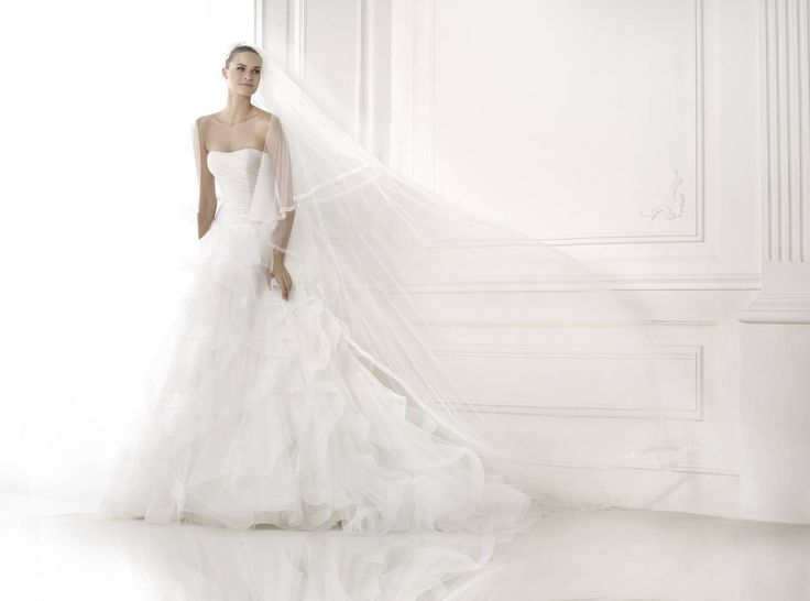 Belia esküvői ruha http://lamariee.hu/eskuvoi-ruha/pronovias-2015/belia
