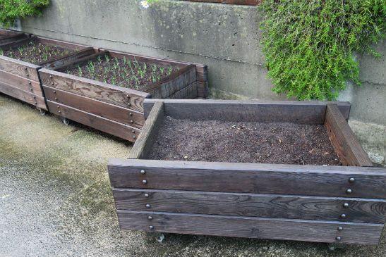 手作り木製プランターと晩秋に植える野菜 - 四季のMYガーデン