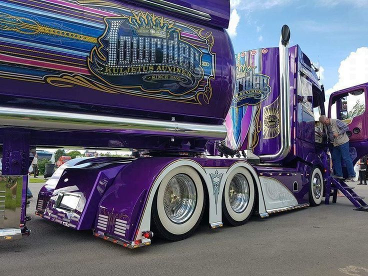 790 best airbrushed images on pinterest lowrider for Airbrush car mural