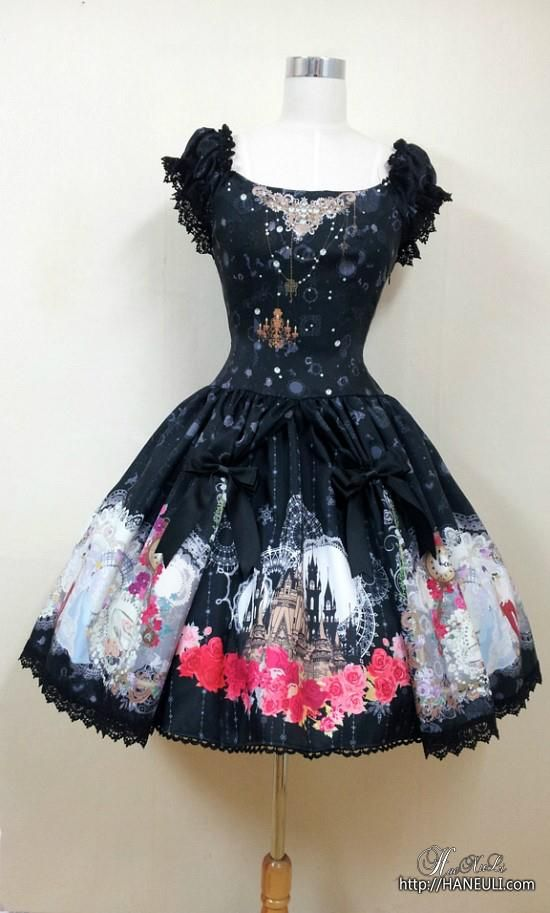 Gothically yours....: How to make a Lolita inspired dress in a super fast way