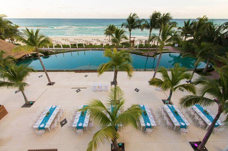 Los jardines, terrazas y por supuesto, la playa son áreas maravillosas para recepciones al aire libre y cenas elegantes rodeadas de vegetación tropical y con impresionantes vistas al océano del Caribe. #GrandVelas #GVRivieraMaya #VelasMeetings #VelasResorts