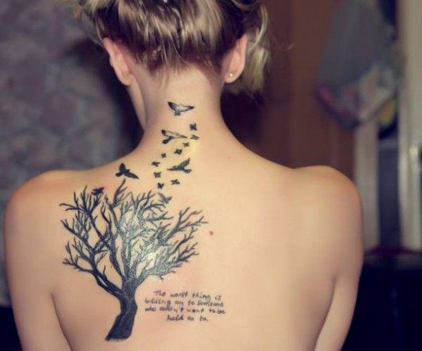 Tattoo Baum Vögel Schrift