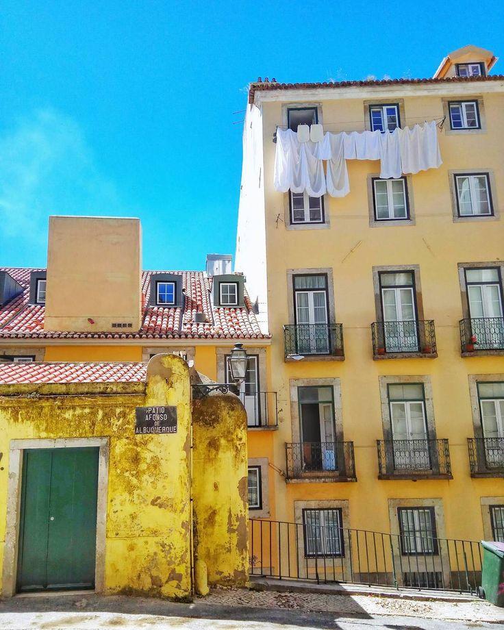 Walking around #Lisbon  #urban #city #walking #portugal #lisboa #visitlisbon #travelgram #Traveling #trip #instatravel #instamood #road #house #instacolor #colours #friends #instagood #travel #europe