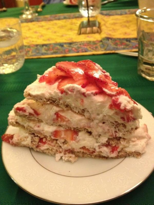 Passover cake - strawberry, mascarpone cream, and pecan meringue layersYummy Eating, Yummy Food, Mascarpone Cream, Name, Baking Goodies, Pecans Meringue, Meringue Layered, Passover Cake, Favorite Recipe