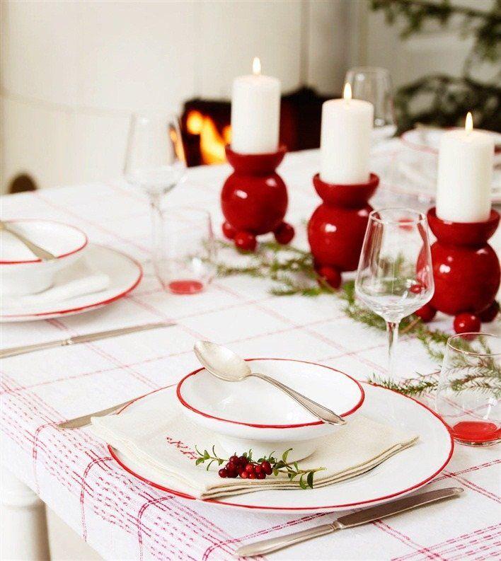 Déco Table Noël Rouge Et Blanc   50 Idées Qui Unifient Le Moderne Et Le  Traditionnel