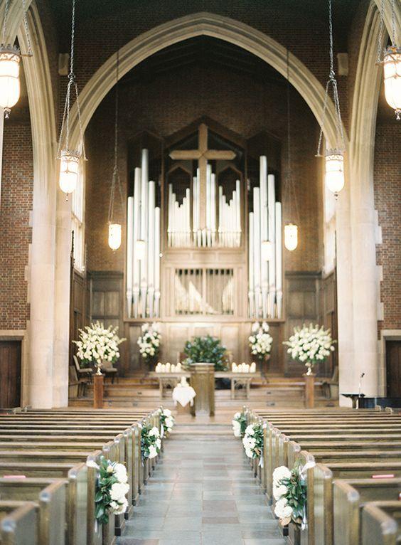 Increíble decoración del pasillo de la iglesia en Nashville, TN. The Wightman Chapel en el Scarritt-Bennett Center. Fotografía: Jen Huang | Snippet & Ink                                                                                                                                                     Más