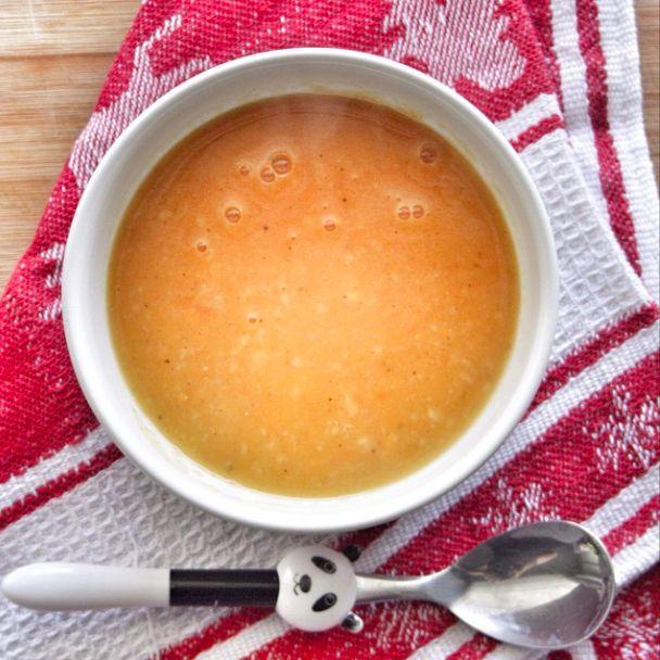 Tatlı patates çorbası tat olarak patates ve pancar arası bir tattadır. Besleyicilik olarak çok zengindir. Ayrıca sindirimi kolay ve alerji riski düşük olduğu için bebekler için ilk besinlerden biri olarak önerilir.
