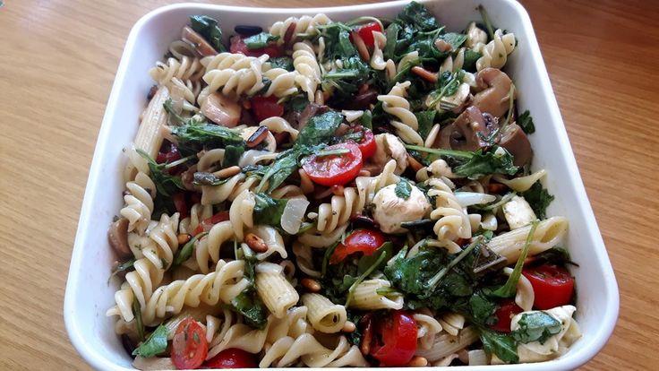 Mozzarella - Nudel Salat, ein schmackhaftes Rezept aus der Kategorie Gemüse. Bewertungen: 42. Durchschnitt: Ø 4,4.