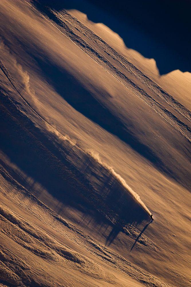Laura Hadar / Sunset heli lap / Photo: Andrew Miller www.tetongravity.com/story/ski/laura-hadar-retires #snowboard