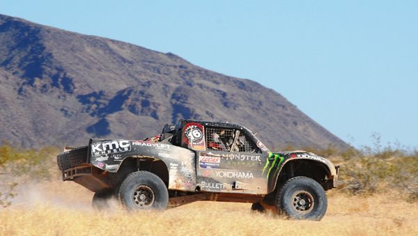 Yokohama Tire Off-Roaders Cameron & Heidi Steele Team-up At Parker 425