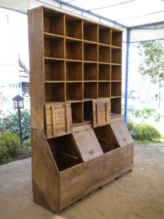 Mueble almac n antiguo muebles manantiales tienda for Almacenes de muebles