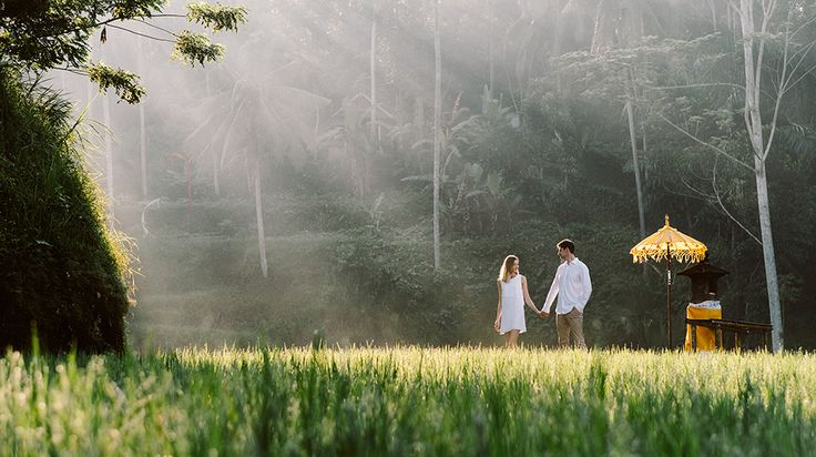 Anya & Denis Honeymoon Photography in Ubud Bali. Ubud is a remarkable town in the middle of the island of Bali. For more than a century, it has been the island's renowned centre for fine arts, culture & romantic scene. #bali #destination #honeymoon #photography #ricefield #riceterrace #ubud