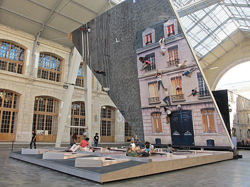 In perceptions: Bâtiment de Leandro Erlich au 104, trompe-l'oeil, illusion et…