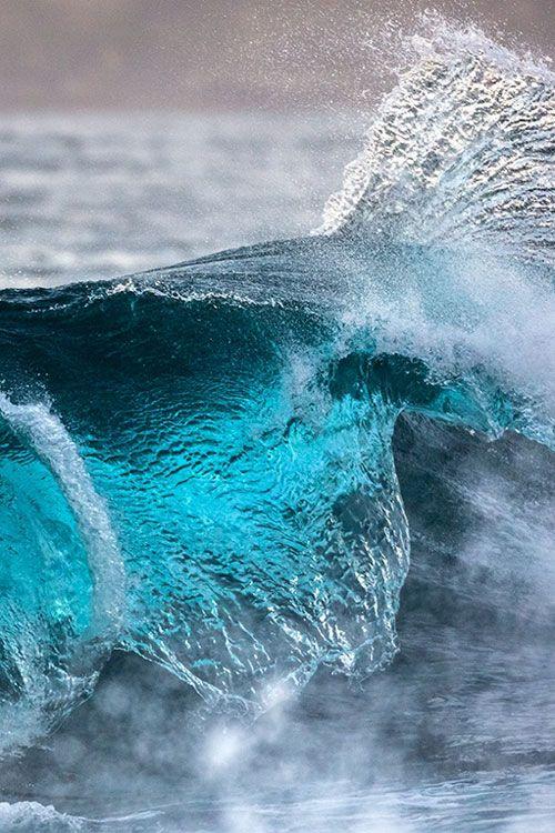 Blue Pacific © John Brumfield