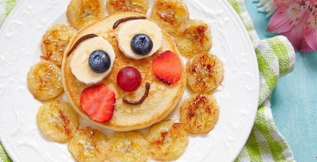 افكار فطور صحي للمدرسه جديد ومتنوع اتركي أطفالك يبتكرون أشكال جميلة Funny Breakfast Breakfast For Kids Fruits For Kids