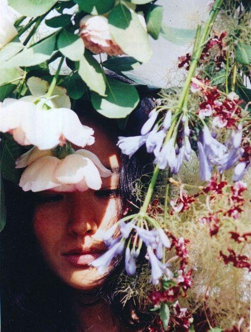 unknown model for (装苑)so-en magazine, november 2009