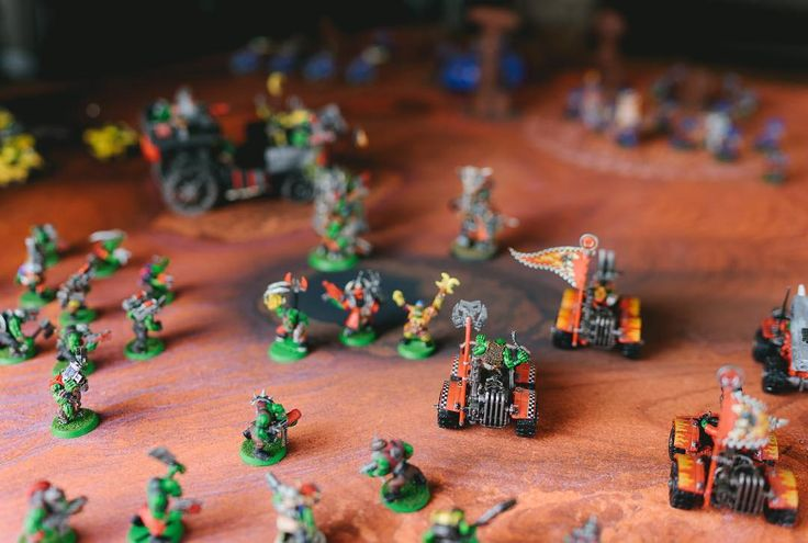 More Orks soon follow the scouts... #wh40k #warhammer #tabletop #terrain #game #warhammer40000 #miniatures #wargaming #narrative #gamestagram #gamemats #battlemats