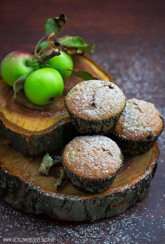 Muffinki kawowo orzechowe z jabłkami