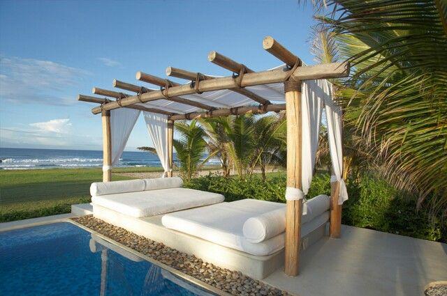 Camas balinesas para la decoración de hoteles http://www.fiaka.es/blog/camas-balinesas-en-la-decoracion-de-hoteles/