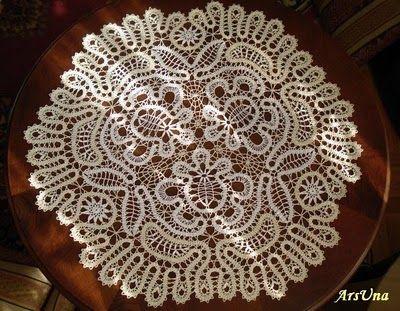 Large Bruges lace mat