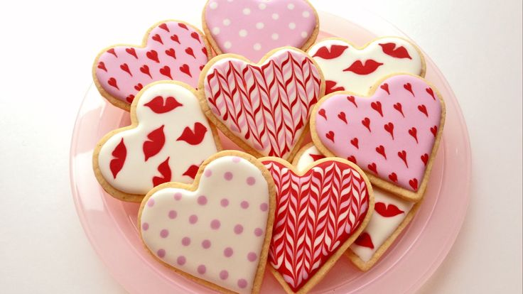 Treat your loved ones this #ValentinesDay with delicious and delicately decorated lemon biscuits. #recipe