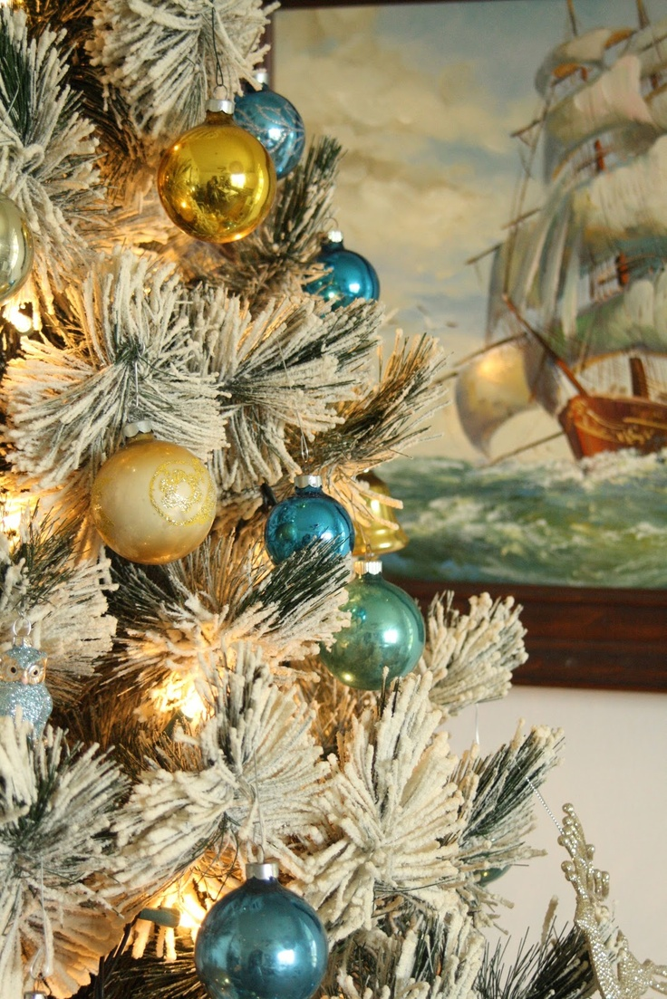 Love This Shot With Christmas Tree And Sailing Painting In The Background