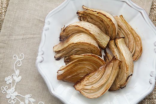 Quick and easy roasted fennel recipe.  Sliced fennel oven roasted in olive oil and balsamic vinegar.
